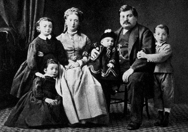 Гаспар Кампари (Gaspare Campari) со своей семьёй